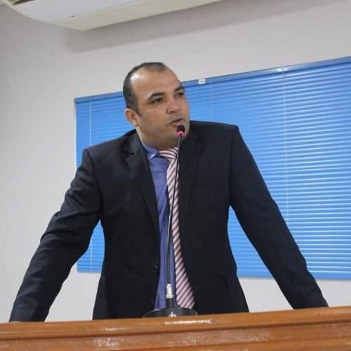 Vereador Orlando fala do seu voto contrário a criação de mais uma secretaria para o município de Jaru