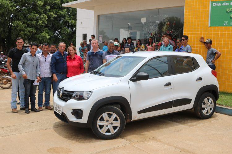Deputado Lazinho da Fetagro entrega benefícios durante visita ao município de  Machadinho