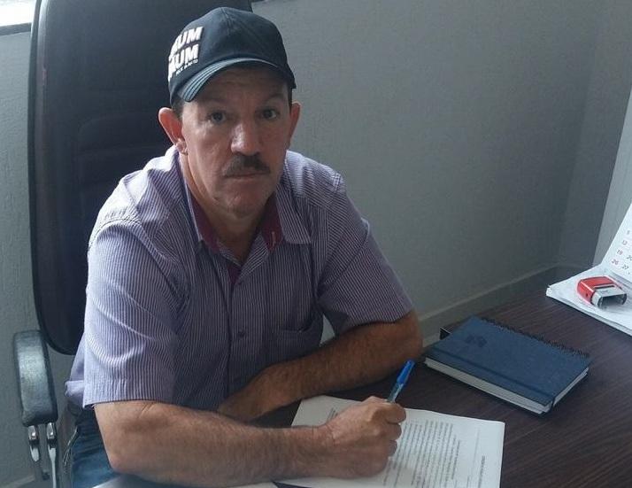 Prefeito anuncia aquisição de massa asfáltica para recuperar ruas de Governador Jorge Teixeira