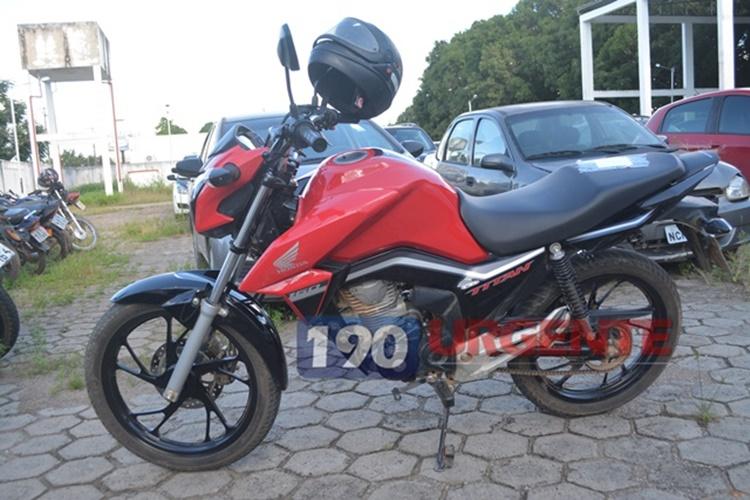 PRF recupera na BR-421 motocicleta furtada em Jaru