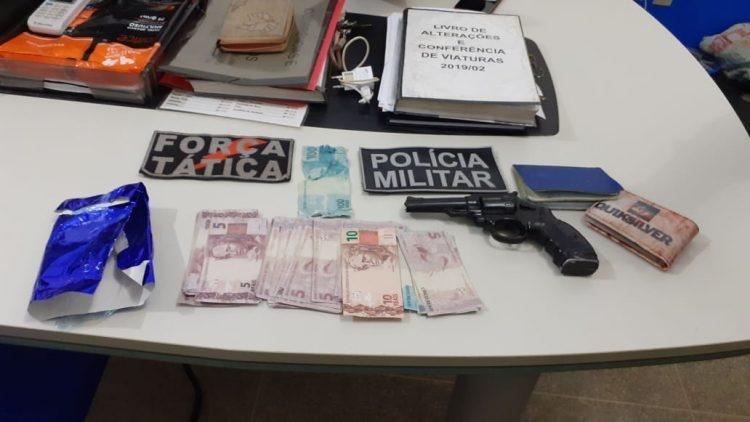 Força Tática prende dupla com dinheiro falso na primeira noite de carnaval em Machadinho