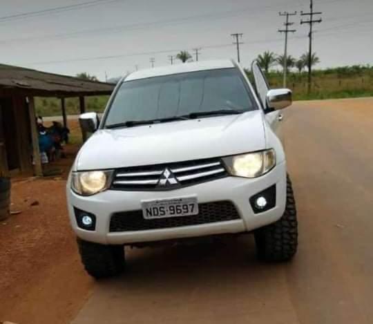 Sete elementos armados invadem fazenda roubam caminhonete, motos e objetos em Alto Paraíso