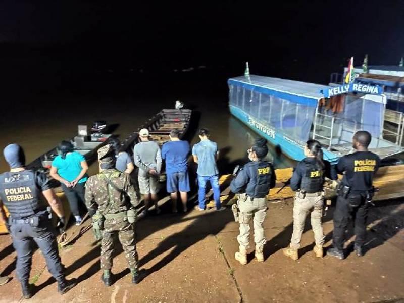 Bolivianos tentando entrar com medicamentos e folhas de coca em RO são presos e deportados pela PF