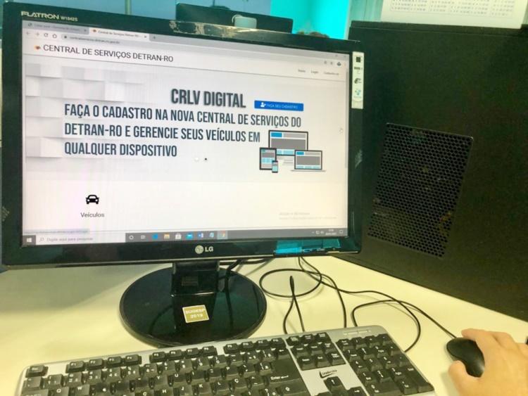 Documentos de veículos não serão mais impressos em papel; Detran adota digital