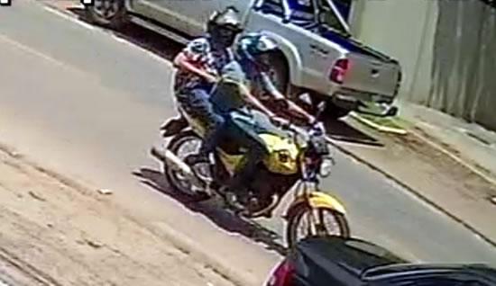 Ladrão armado com revólver rouba moto em frente ao Fórum de Ouro Preto do Oeste