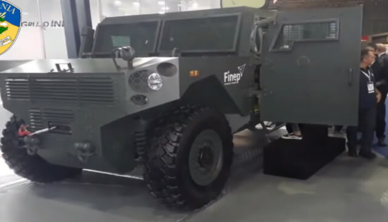 Governo de RO anuncia compra de veículo blindado para a PM, que suporta tiro de fuzil
