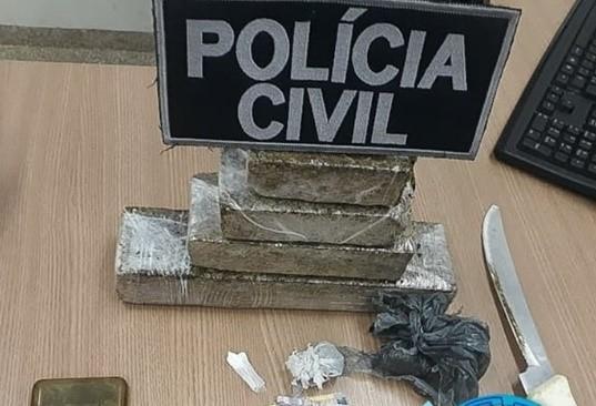 Polícia civil fecha boca de fumo e prende Ex-candidato a vereador com 1 kg de droga na cueca em Ji-Paraná