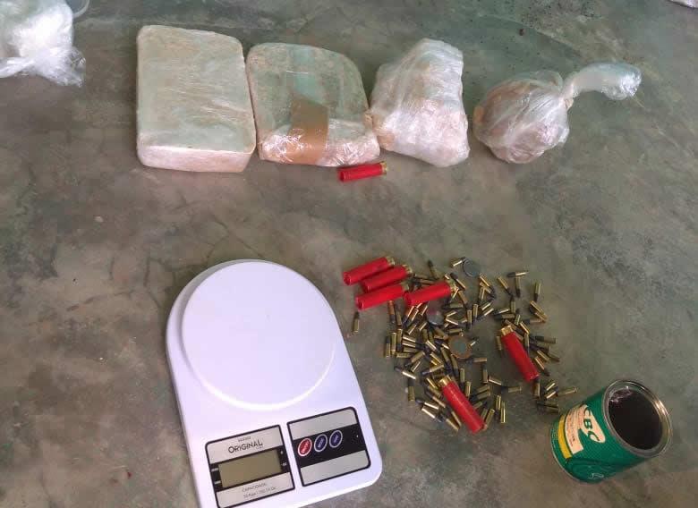 PM descobre laboratório de refino de drogas e apreende quase 4 Kg de entorpecente